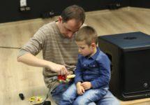 Świetna zabawa podczas wykładu z Lego-robotyki w ramach Michałowickiego Uniwersytetu Dziecięcego